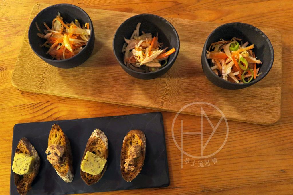【法國食器】《REVOL》擺盤神器,仿玄武岩長方盤,白瓷方形盅。精緻餐瓷開箱分享